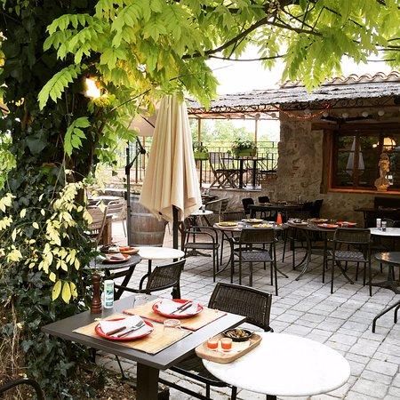 Pujols, Frankrike: La terrasse