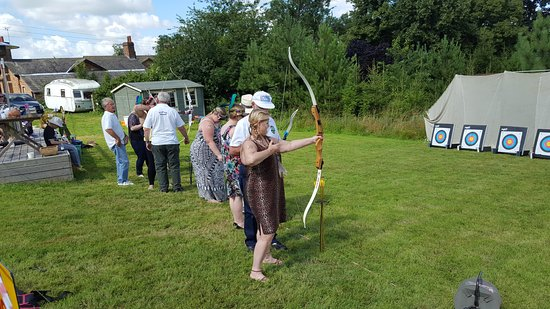Belvoir, UK: Grantham Archers at Vale House