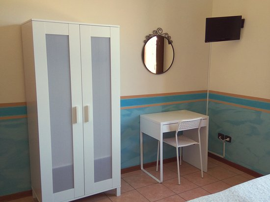 Ostello AIG Mario Spagnoli: Le nostre camere / Our rooms