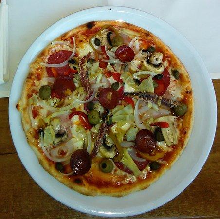 Wirt am Dom: Pizza mit Allem