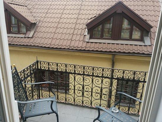 Grotthuss Hotel: El balcon,a una calle tranquila