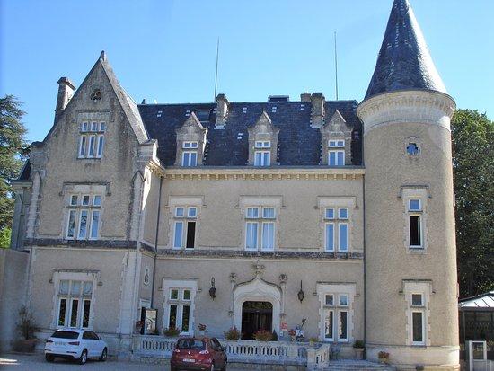 Chateau des Reynats: Vue de la façade