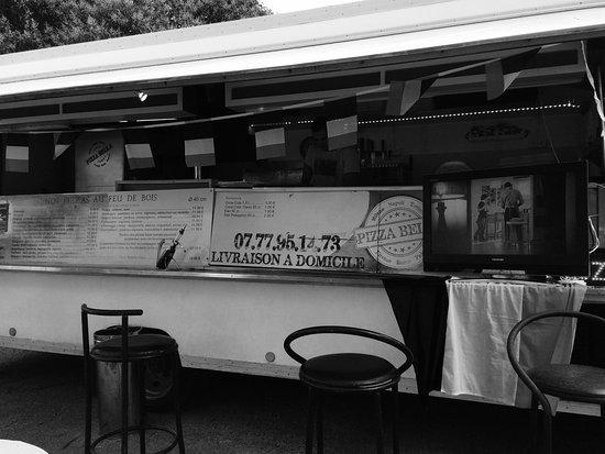 Gardanne, Frankrike: Pizza bella