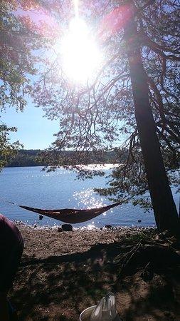 Arvika, Suécia: Bivouac sous le soleil