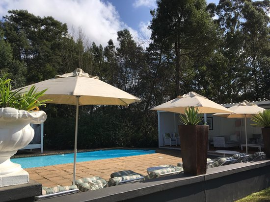 Lairds Lodge Country Estate : Pool area