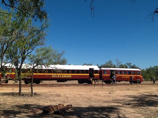 Normanton, Avustralya: The train stopped here for morning tea close to a Billabong.