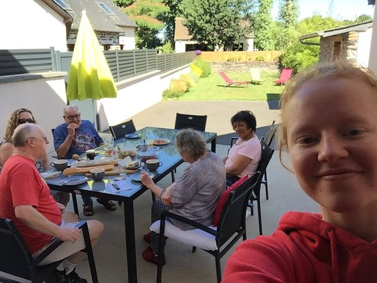 Lieuron, Francia: A relaxing breakfast