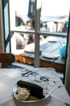 Hellnar, Island: Chocolate cake