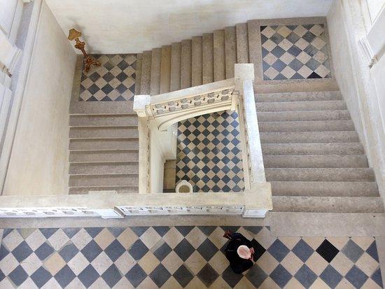 Maisons-Laffitte, Γαλλία: L'escalier central .