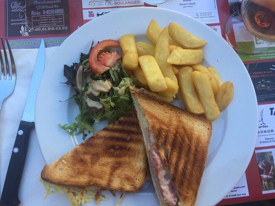 Cafe de Foy: Croque monsieur frites salade