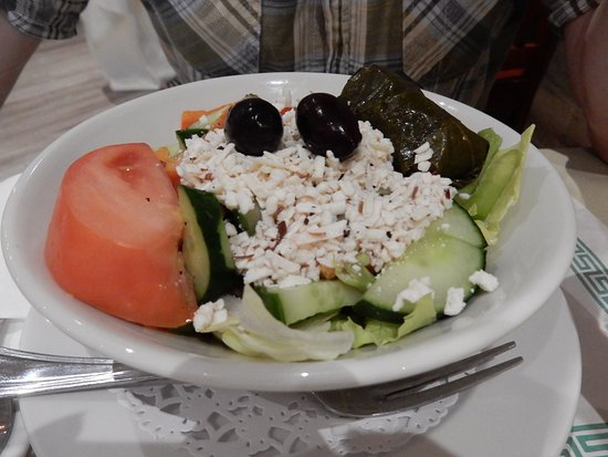 Port Hope, Canadá: A salad starter as part of a Greek meal.