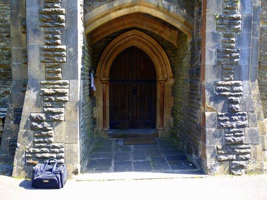 Pontypridd, UK: Front Entry