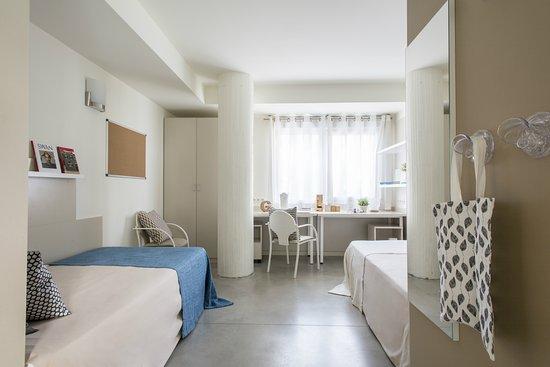 Habitaci n doble confort picture of colegio mayor santa for Habitaciones para estudiantes universitarios