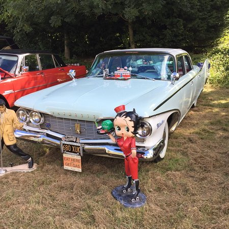 The Olde Watermill Shopping Village: Classic Car Show at Barton Watermill