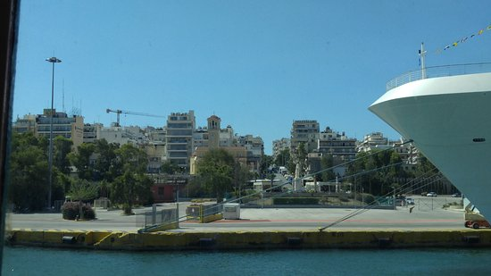 Piraeus, Greece: Lion cafe