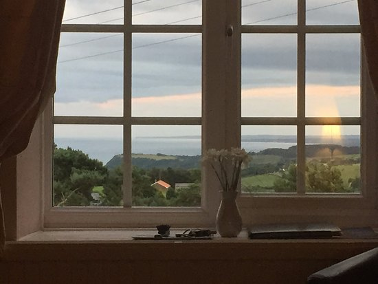 Ravenscar, UK: Beautiful view of the coastline from our room.