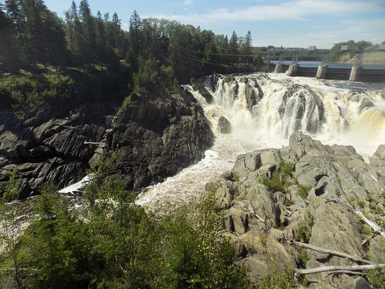 Grand Falls, Canadá: View on the walkway