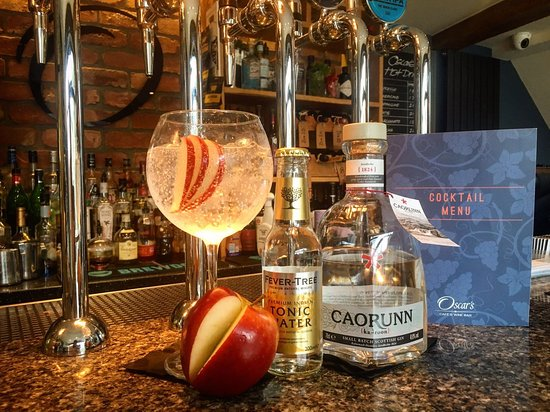 Holmfirth, UK: Caorunn Gin Perfect Serve