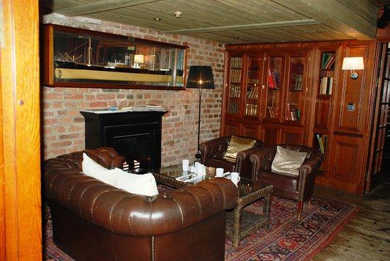 First Hotel Reisen: Salón de lectura
