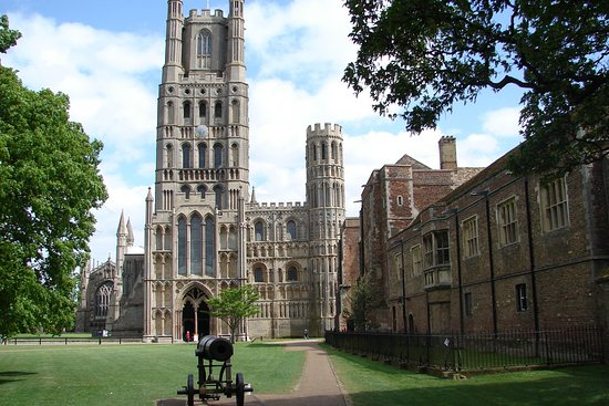 Ely, UK: standing on palace green