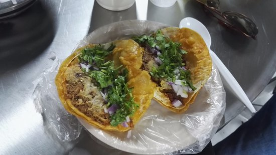 El Mercado Corona: Barbacoa tacos with salsa, cilantro, fresh onion and lime, delicious!