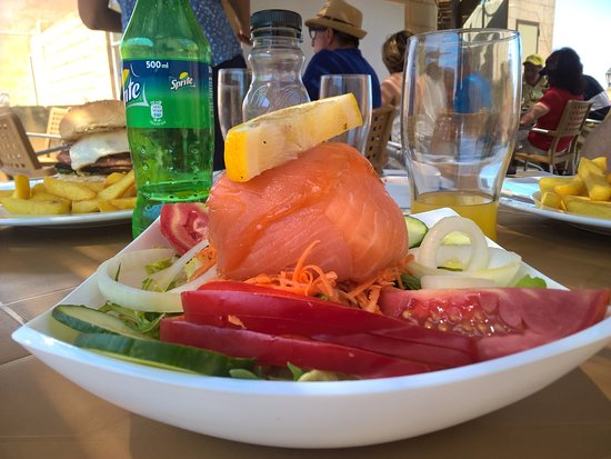 Gharb, Μάλτα: Salmon starter