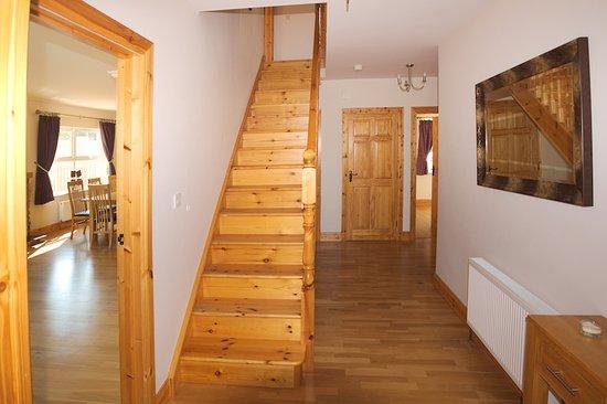 Portsalon, أيرلندا: Stairs lower landing
