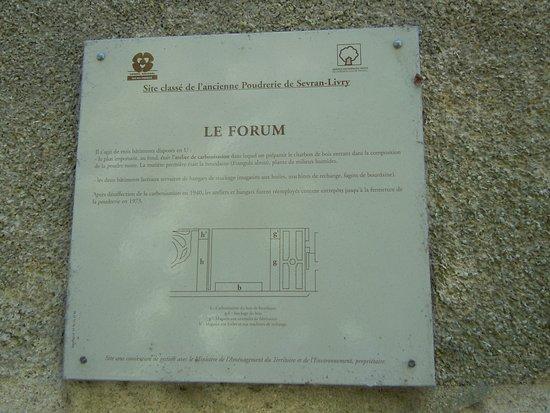 Sevran, Frankrig: Panneau explicatif du bâtiment du Forum