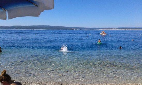 Dramalj, Croazia: il mare sotto l'hotel