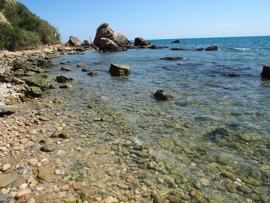 Punta dell'Acquabella: Falesia pericolosa per vedere i punti più belli, attenzione!
