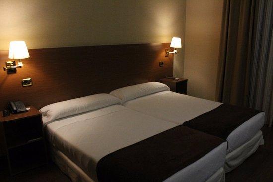 Hotel Oca Ipanema: La habitación por la noche