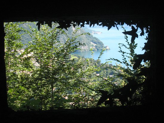 Cavallasca, Itália: view from the trenches