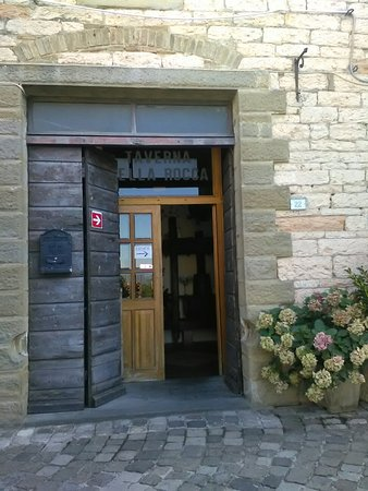 Frontone, Włochy: TA_IMG_20160824_152313_large.jpg