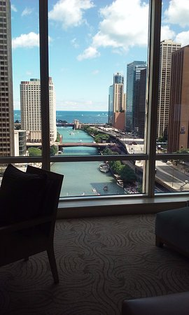 Trump International Hotel & Tower Chicago: Walk in and look at that view!