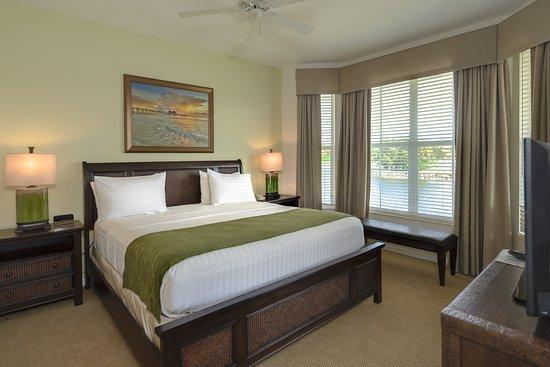 GreenLinks Golf Villas at Lely Resort: GreenLinks Hotel Master Bedroom - King