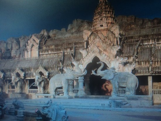 Kamala, Thailand: Вход водворец.