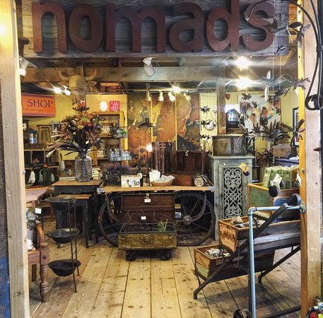 Castle Rock, CO: Nomads at The Barn