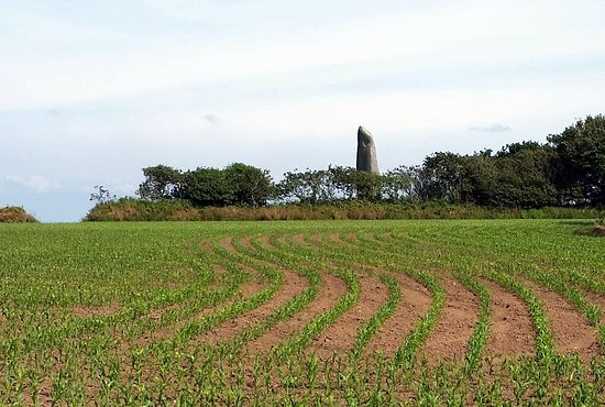 Menhir de Kerloas