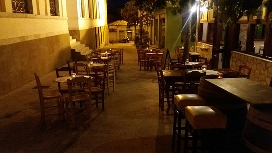 Pyrgos, Greece: Coq Au Vin
