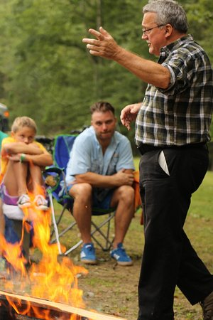 Mullens, Virgínia Ocidental: Ghost stories by the camp fire on weekends during the summer.