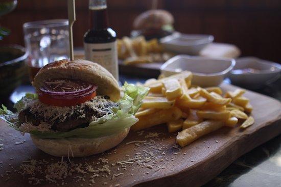 Swieradow Zdroj, Polonia: burger jage