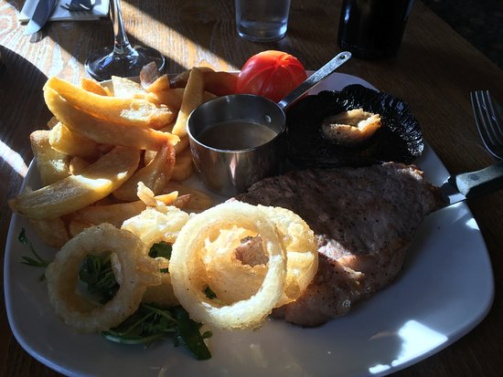 Carnforth, UK: Steak Main course - with Dianne sauce