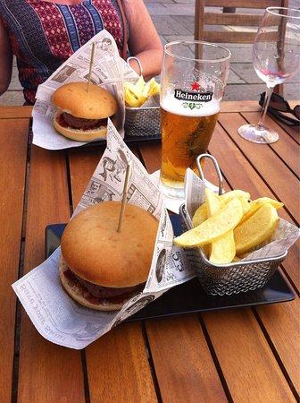 A Vaca Hamburgueseria & Bar