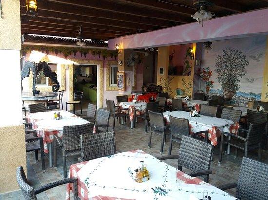 Pastida, Grekland: 20160812_191852_large.jpg