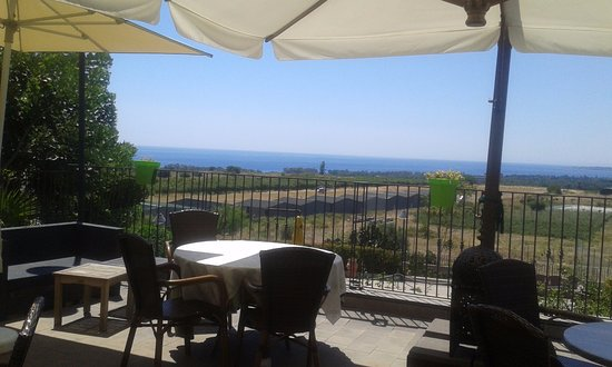 Fiumefreddo di Sicilia, Italia: La terrazza della colazione