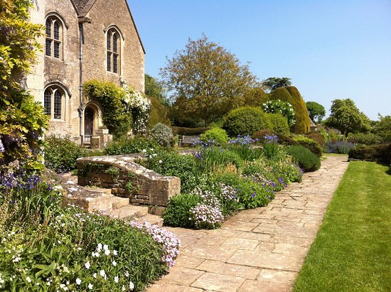 Bradford-on-Avon, UK: Great Chalfield Manor