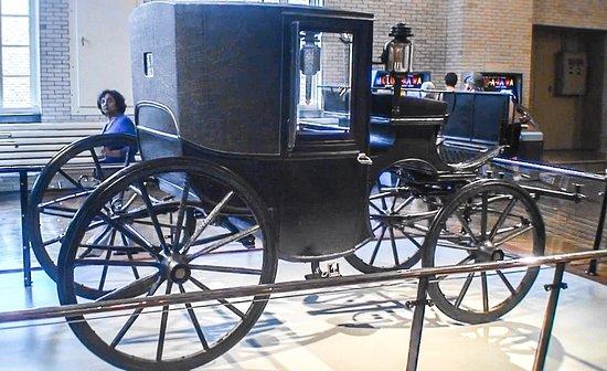 เดอะ เฮนรี ฟอร์ด: President Roosevelt's carriage the Circa 1902 Brougham