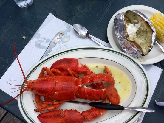 Cardigan, Canadá: 1/4 cob of corn, perfectly baked potato with P.E.I. lobster