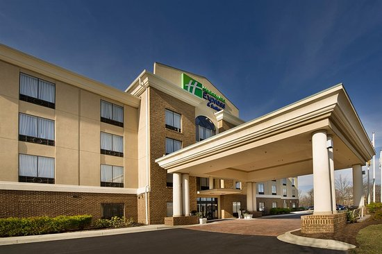 Holiday Inn Express Hotel & Suites Columbia East - Elkridge: This was a view of the front entrance
