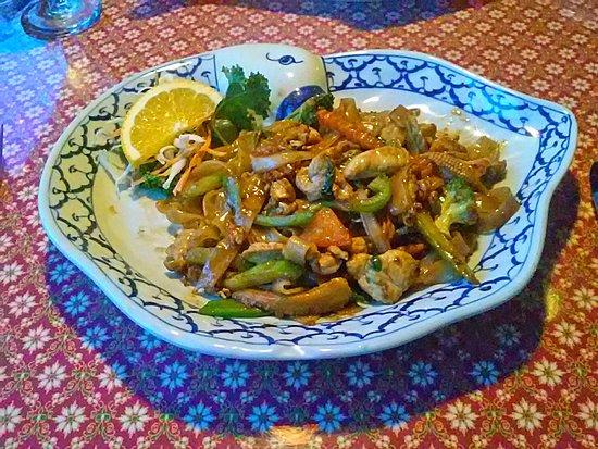 Drunken Noodles with porkPicture of Nakorn Thai Cuisine